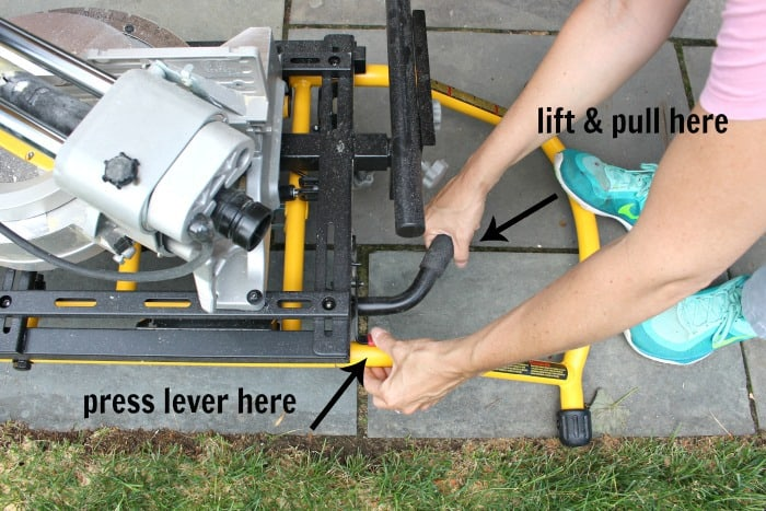 collapsable miter saw stand