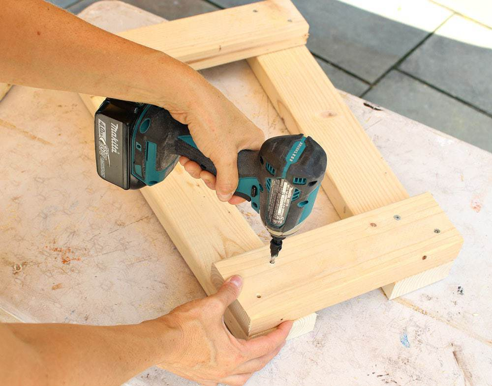 scroll saw stand step 1 predrilling holes