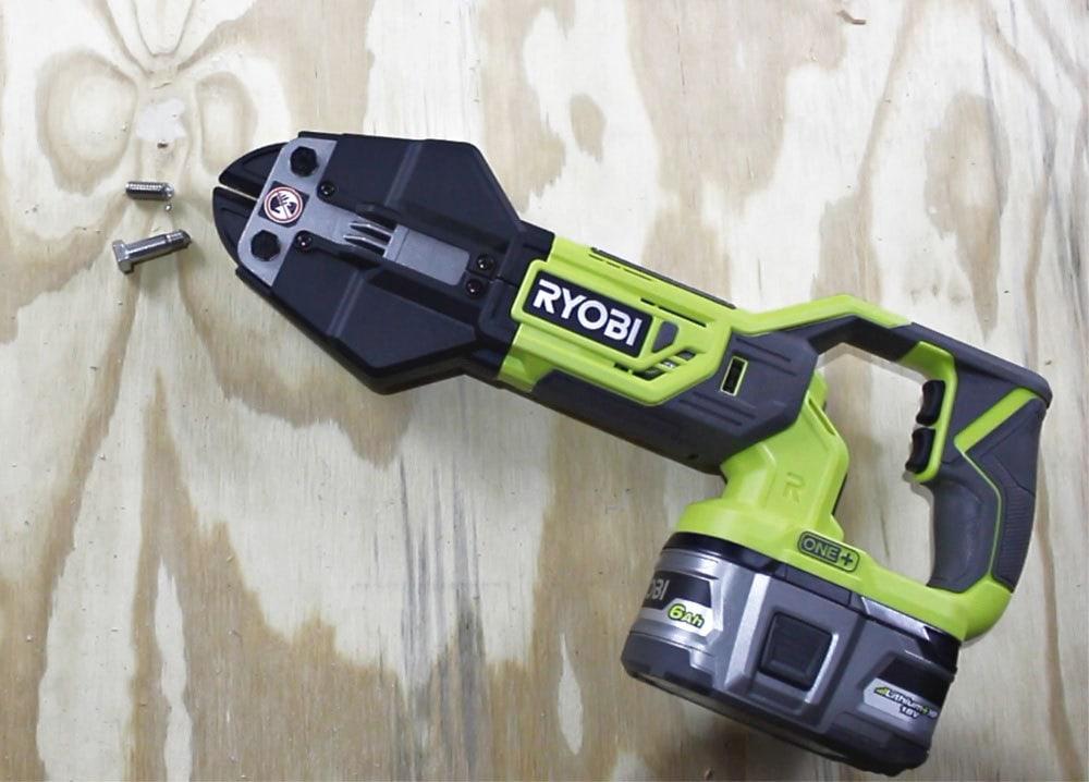 ryobi bolt cutter cuts a bolt