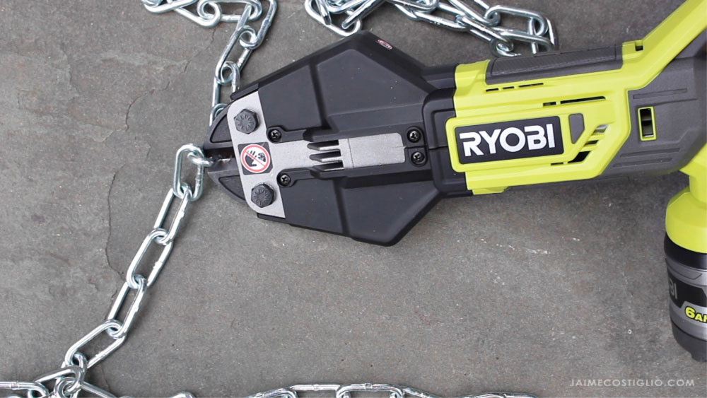 bolt cutter cutting chain