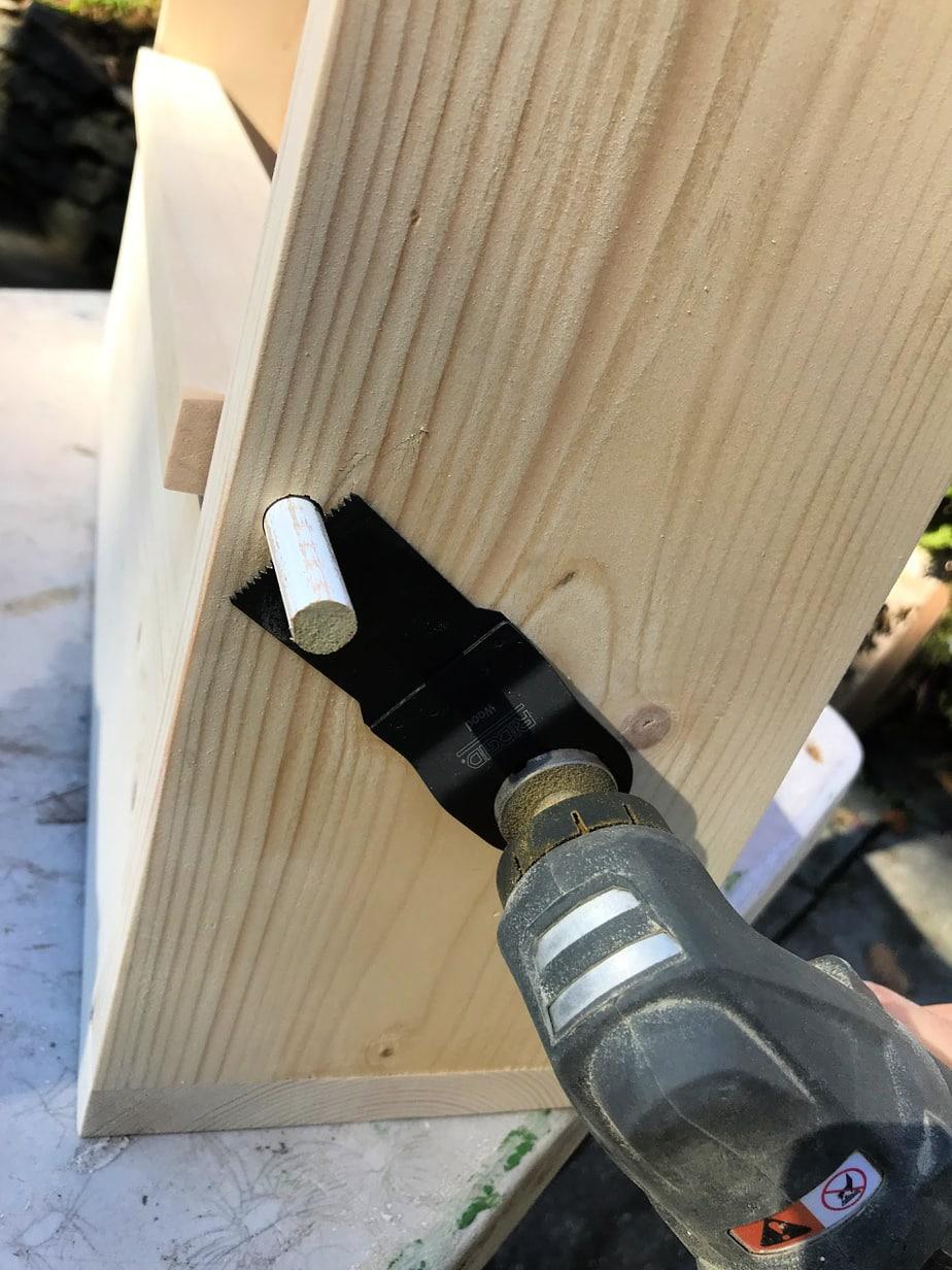 trimming dowel using multi-tool