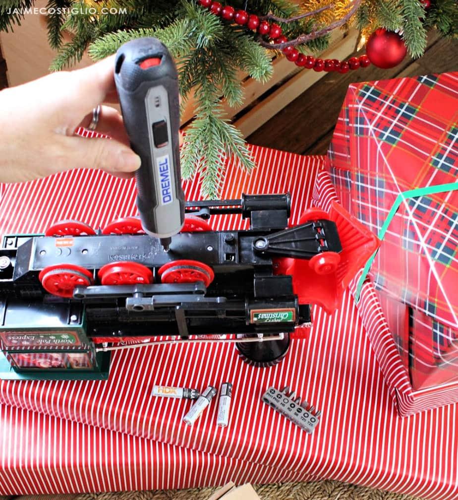 dremel cordless screwdriver changing batteries