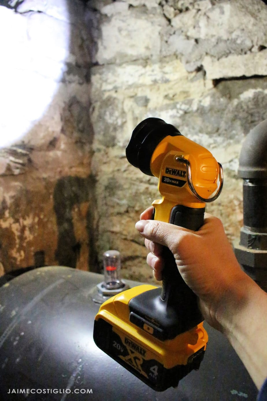dewalt cordless flashlight