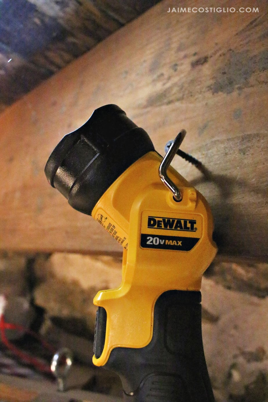 dewalt flashlight hanging