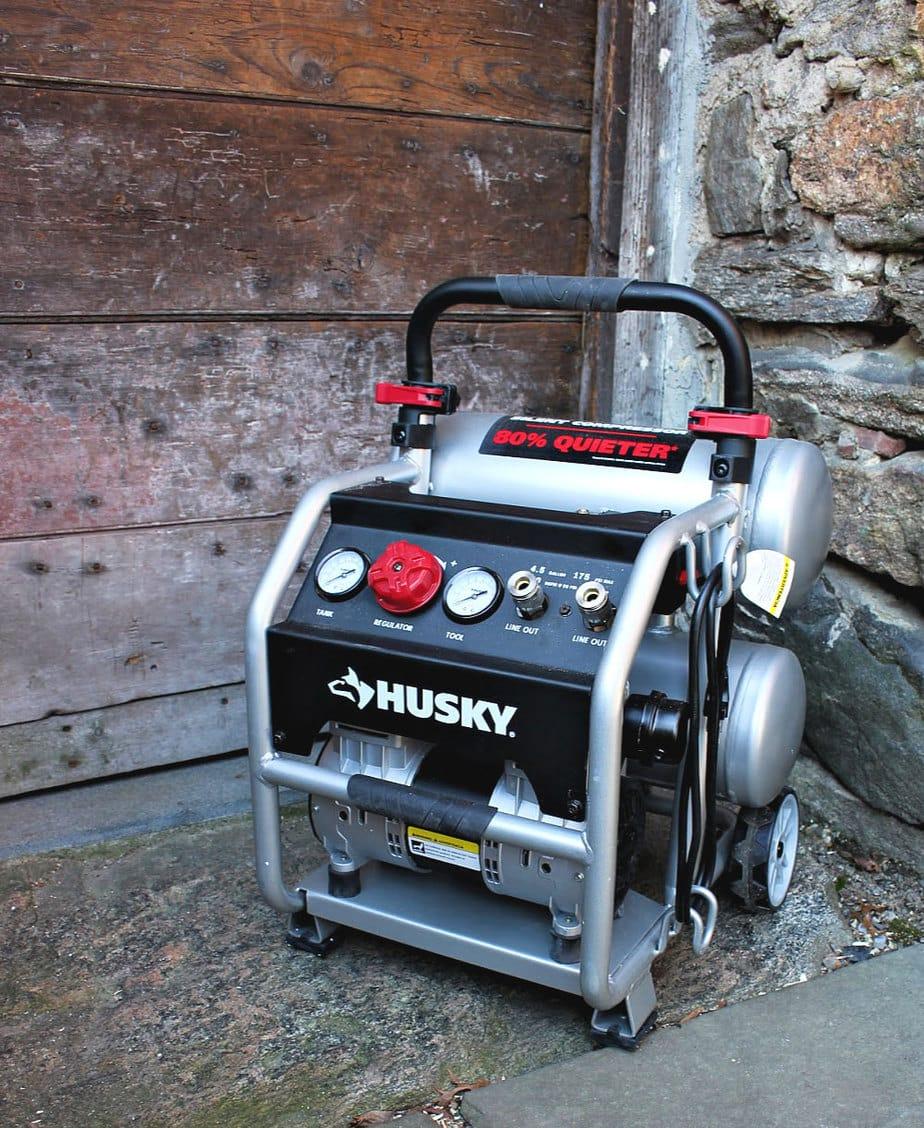 husky 4.5 gal air compressor