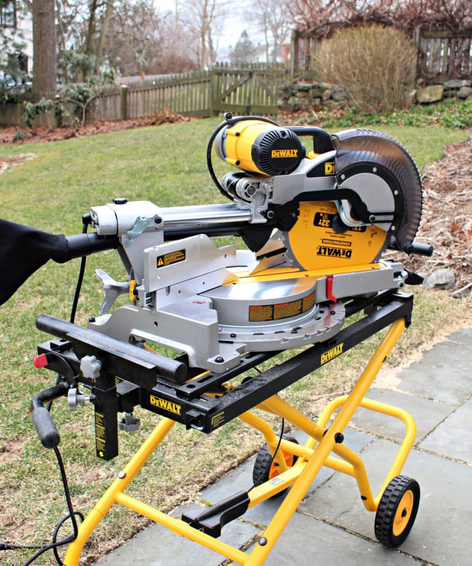 dewalt miter saw closed and locked