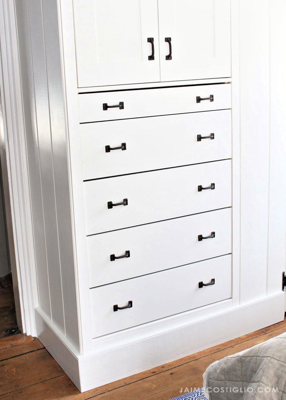 shaker style built in dresser