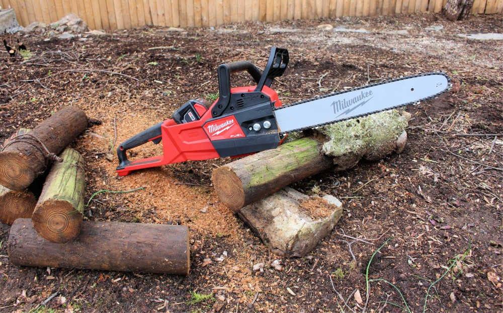 milwaukee chainsaw on log