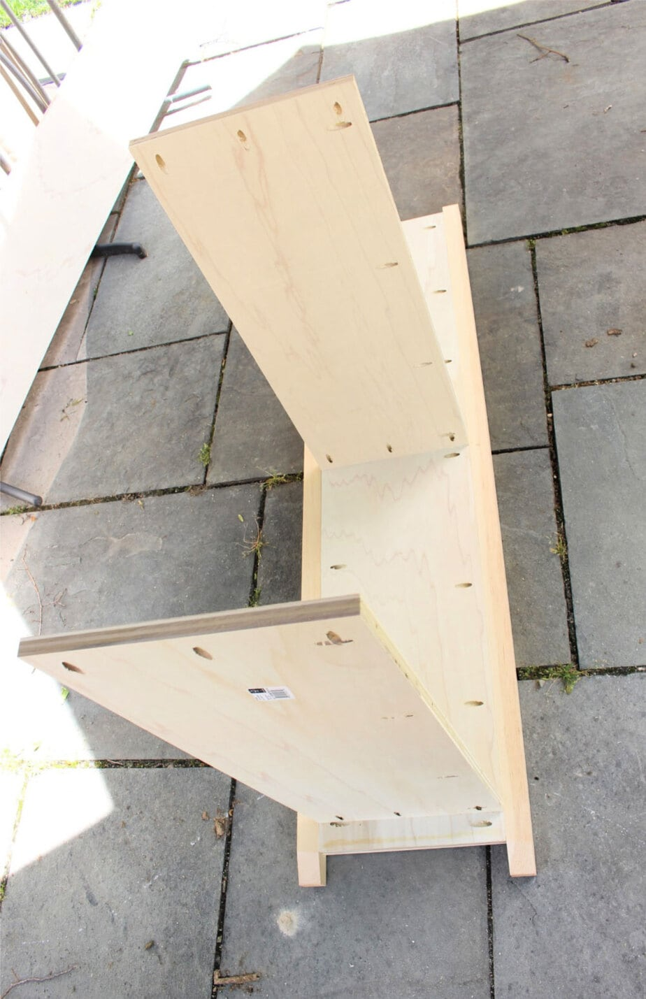 attaching shelves to side with pocket holes