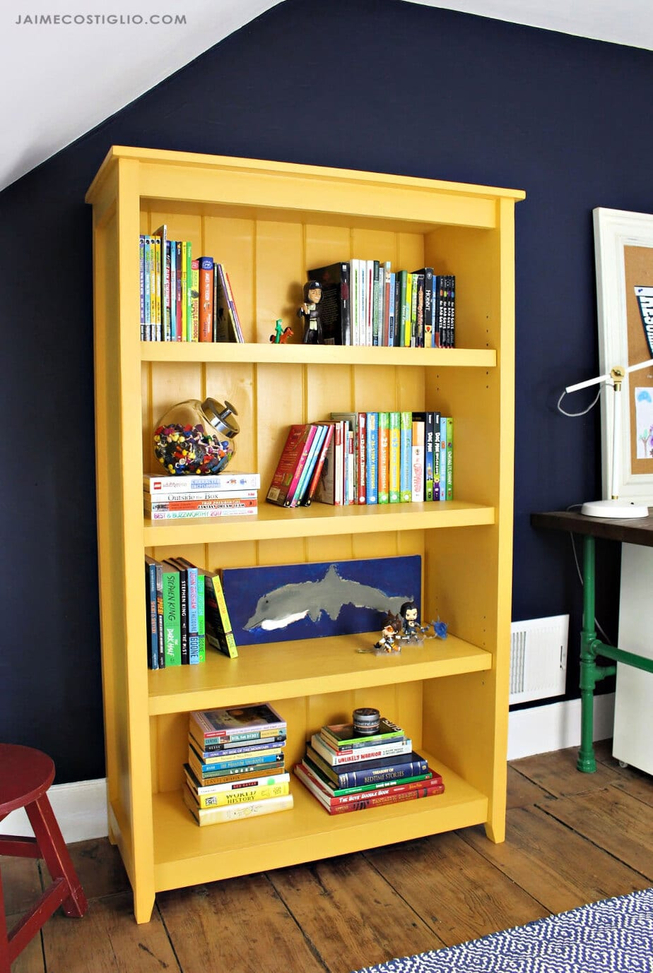 diy bedroom bookshelf