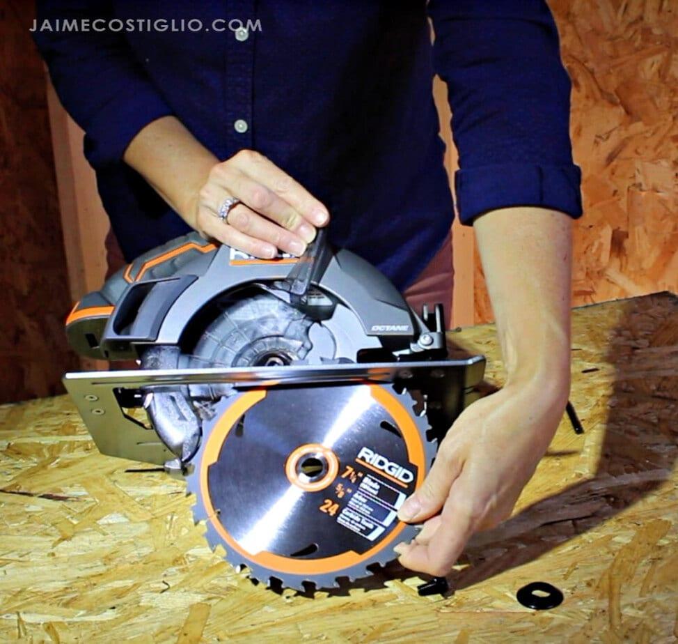 installing blade into ridgid octane circular saw