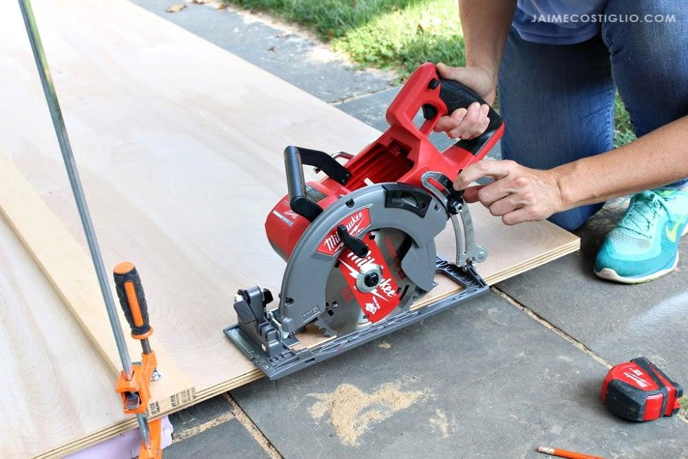 easy blade depth adjustment