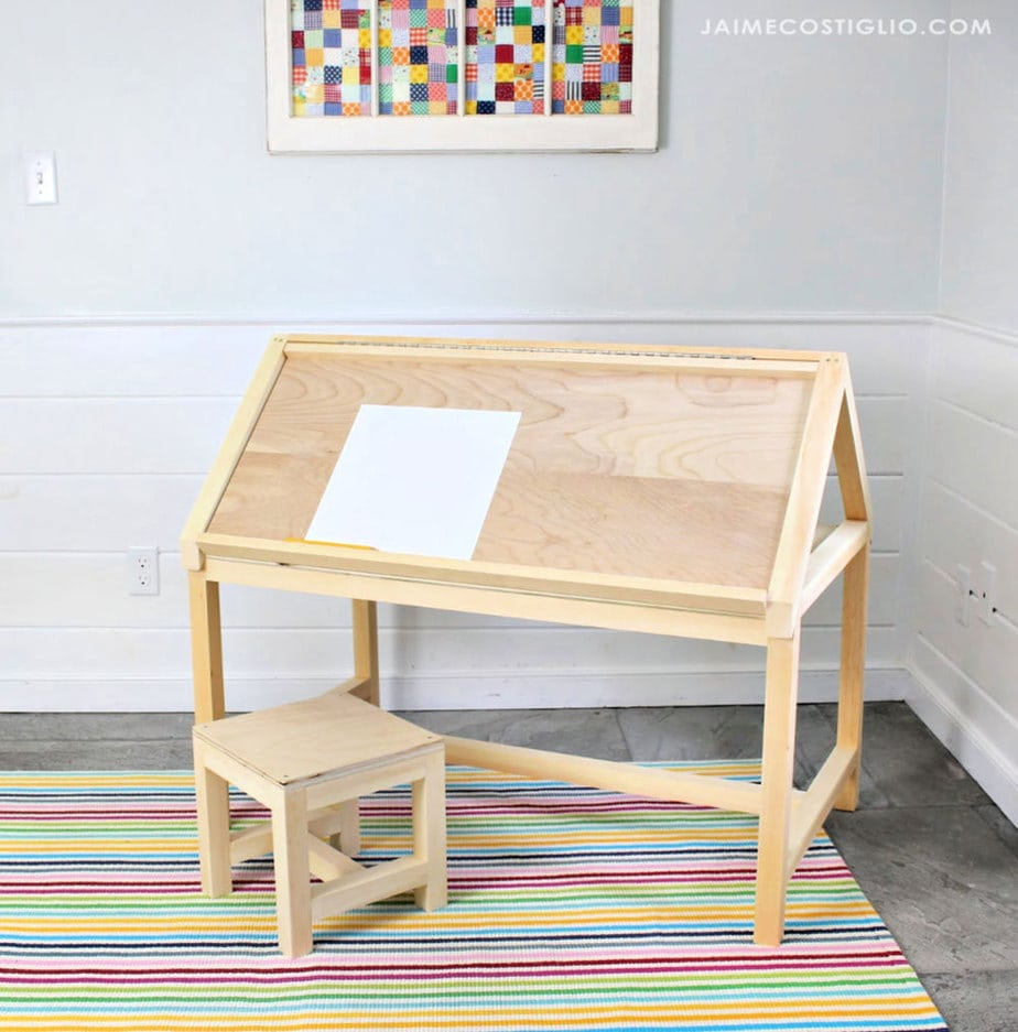 kids house shaped desk