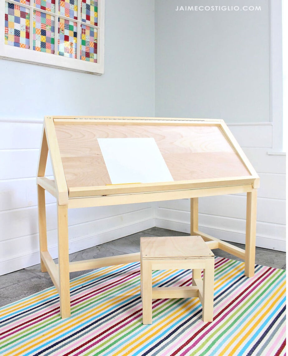 kids play table with stool