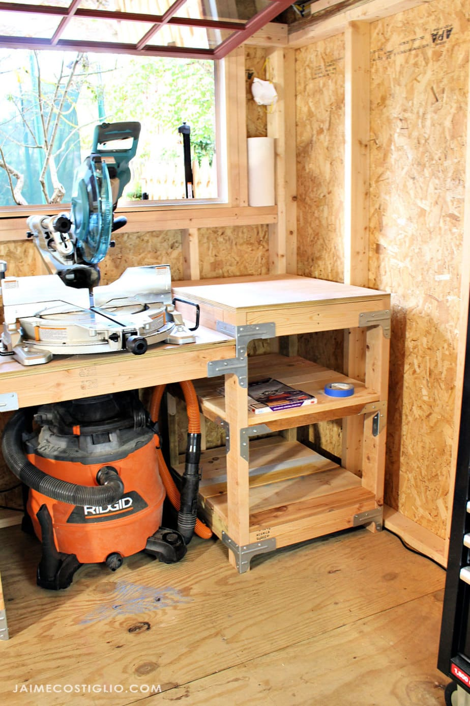 miter saw station with dust control