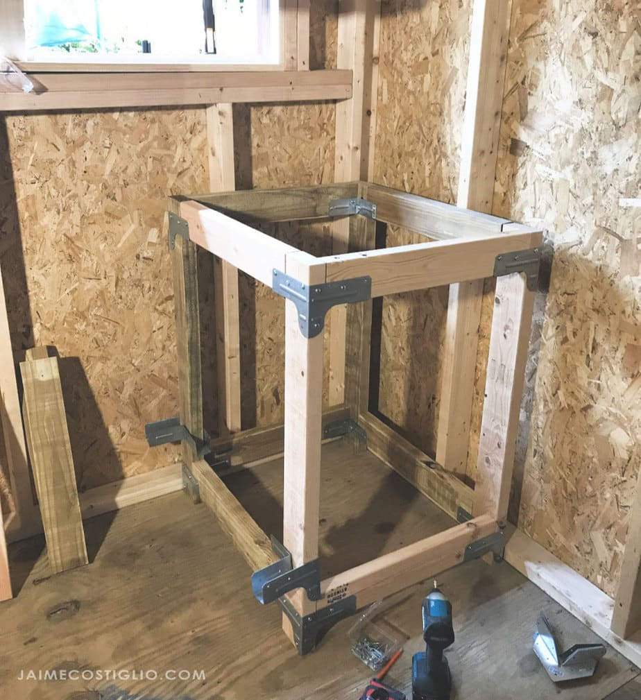 building a miter saw table