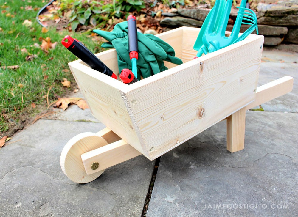 diy wheelbarrow toy