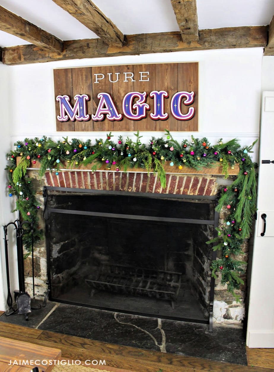primitive farmhouse christmas mantel