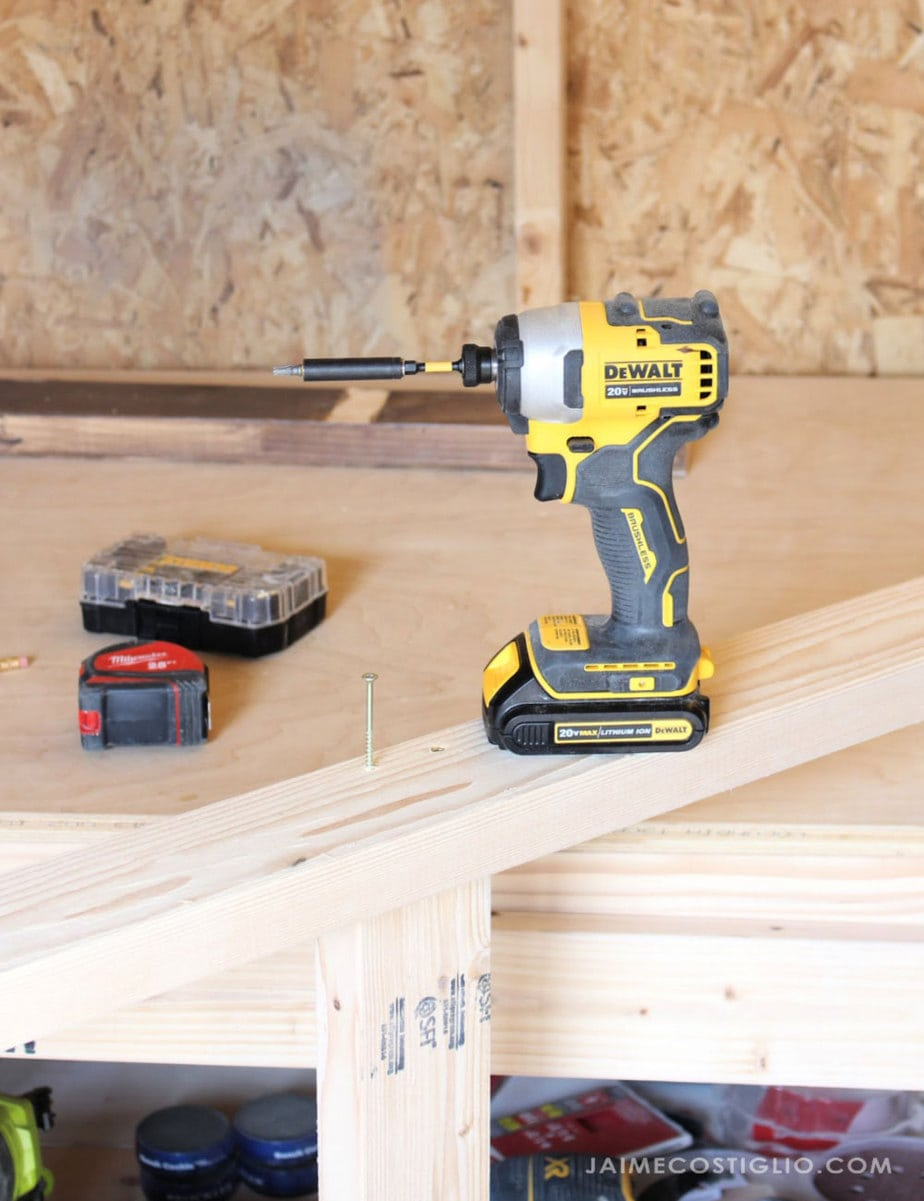 Dewalt Atomic impact driver and bit