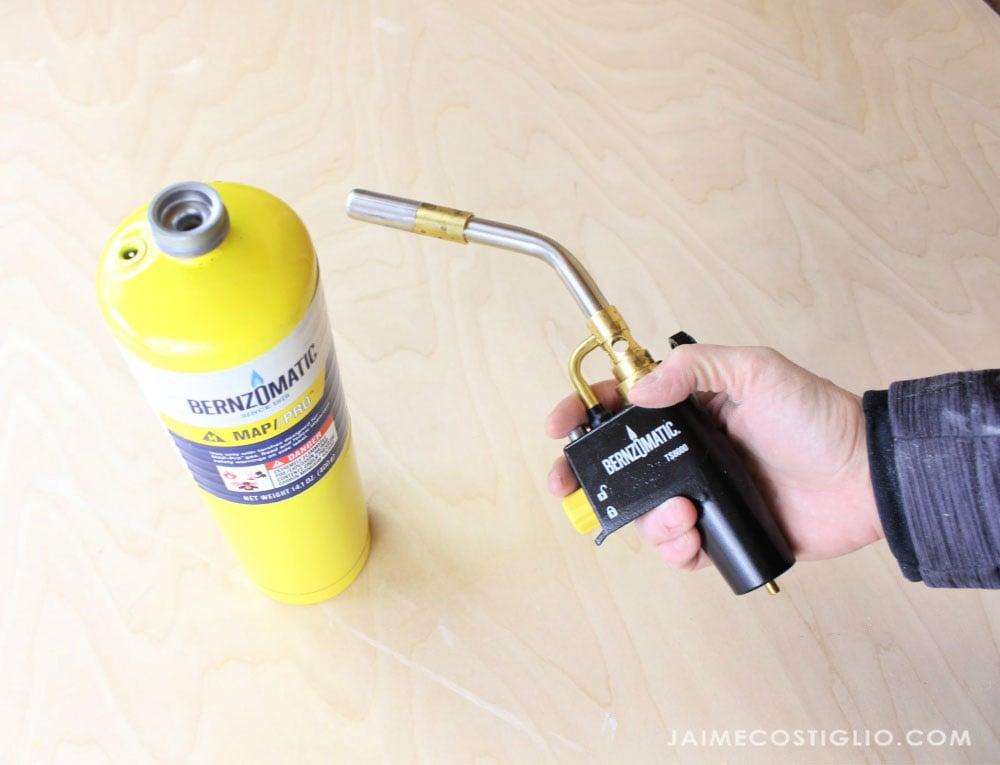 Bernzomatic torch handle
