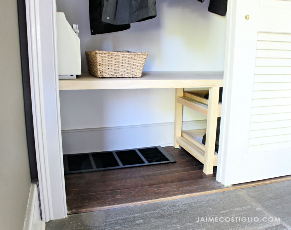 closet with air vent