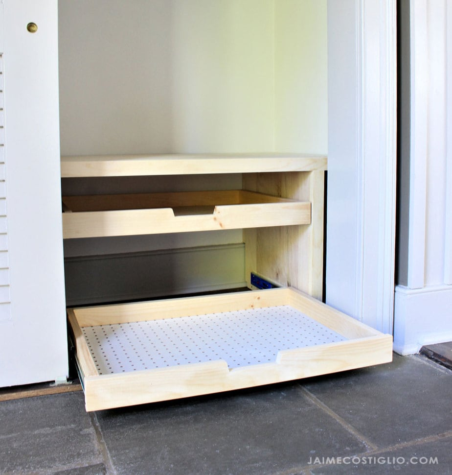 closet shoe storage trays