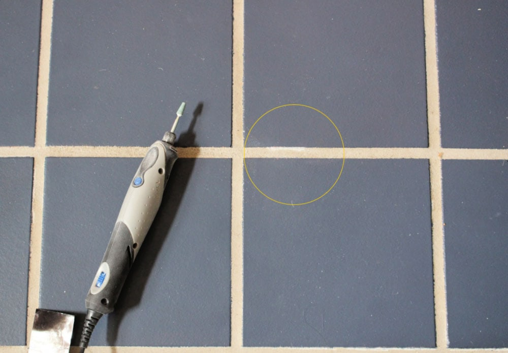 cleaning grout with Dremel Stylo