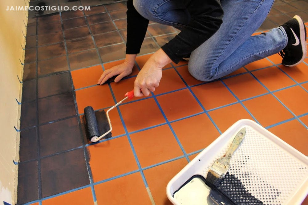 painting tile with roller