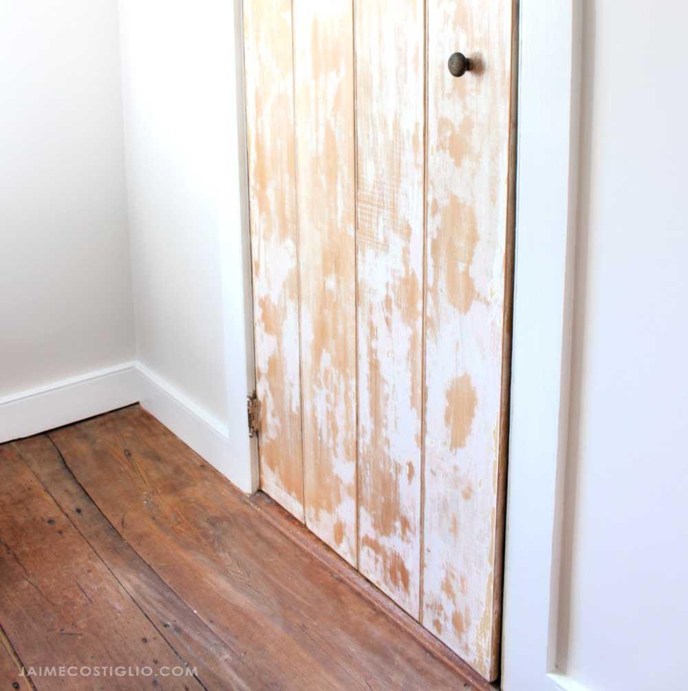 wall paint with closet door