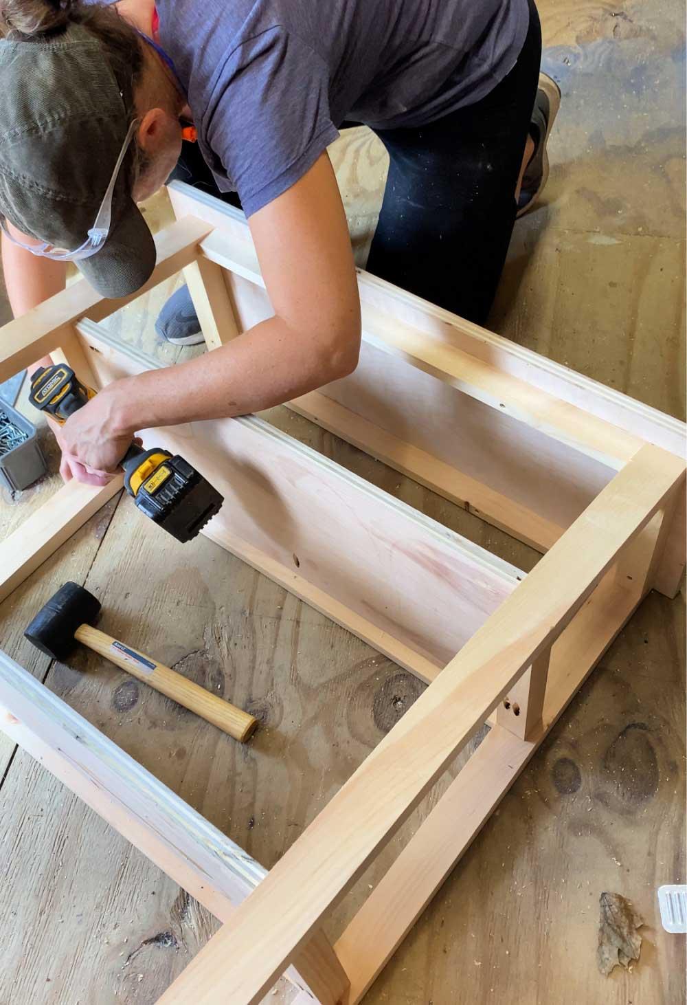 attaching shelves to frame using pocket holes