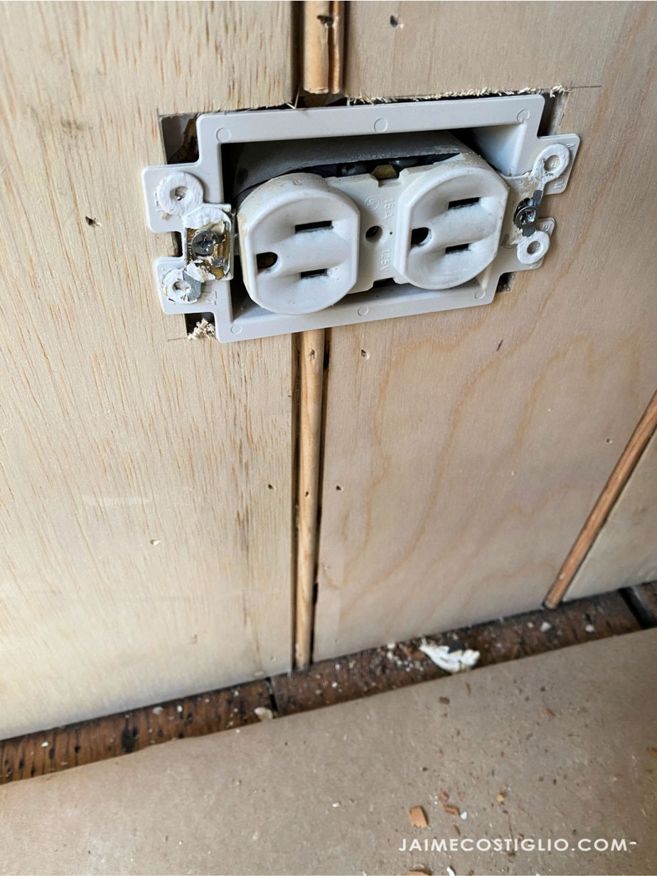beadboard wall with outlet extender box