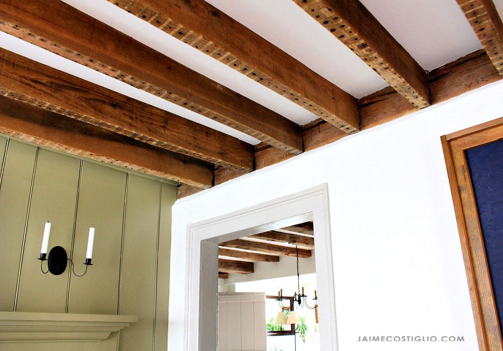 exposed wood beams at ceilings
