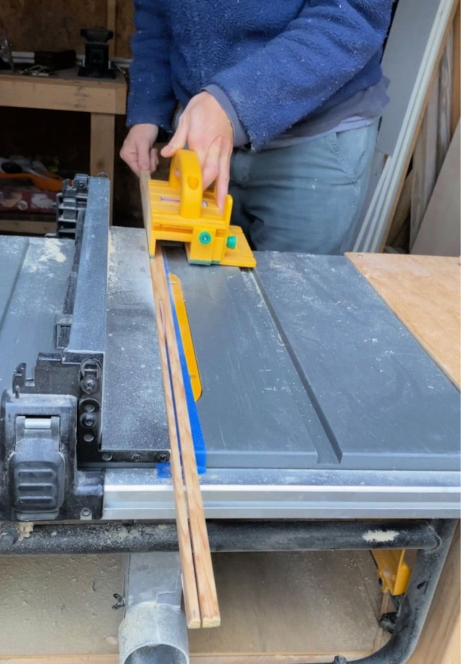 ripping screen moulding on table saw