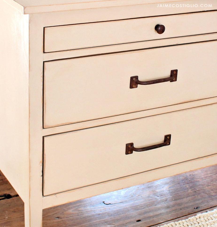 drawer hardware pulls