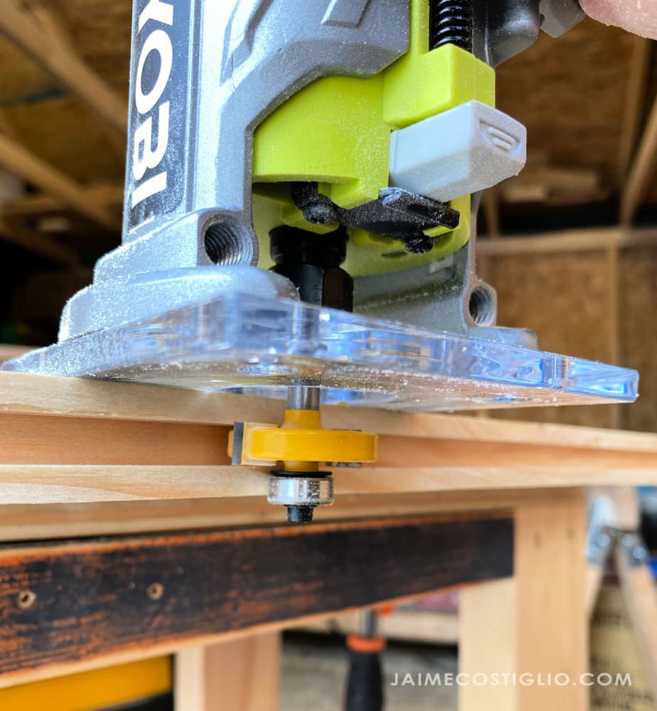 slot cutting router bit making grooves