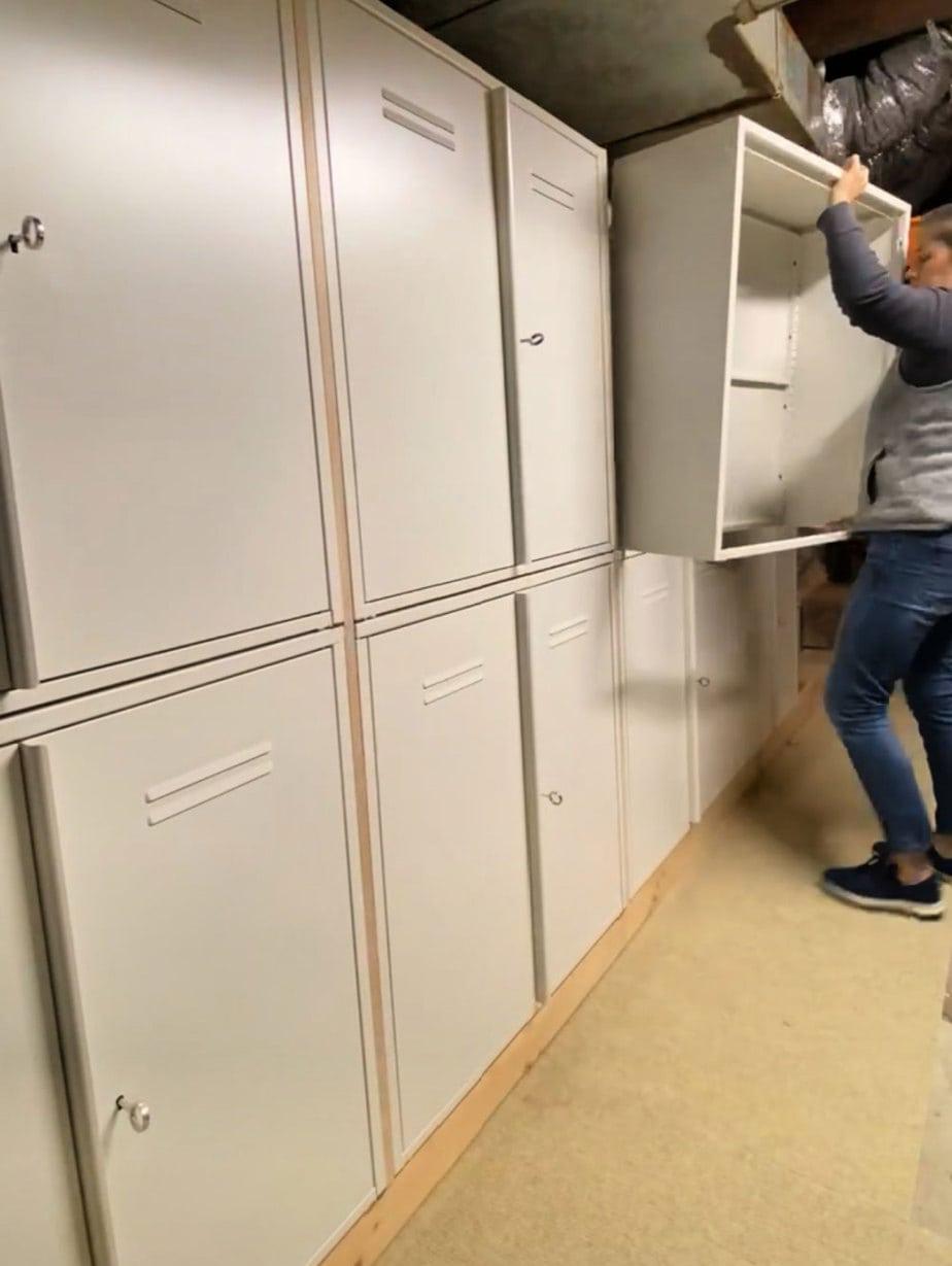 install top locker