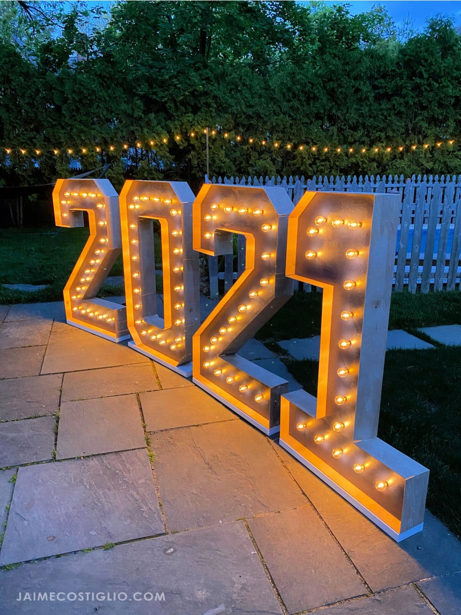 giant marquee lights